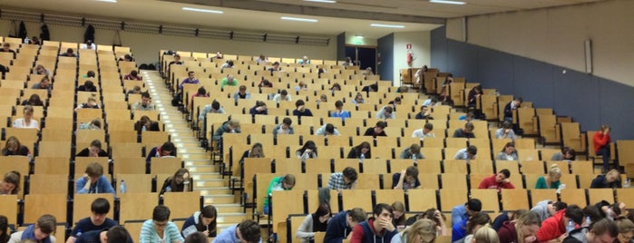 UGent - Complex Ledeganck is one of Student van UGent.