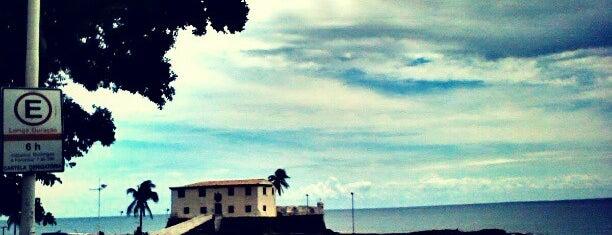 Orla do Porto da Barra is one of Lugares para curtir o pôr do sol em Salvador.