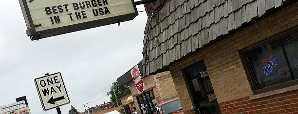 Illinois Bar & Grill is one of Chicago Eats.