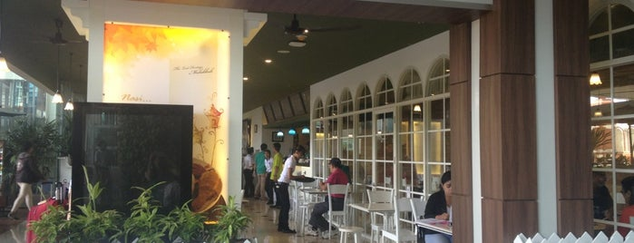 Bangi Kopitiam is one of Bali Culinary.