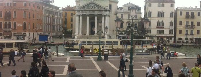 Stazione Venezia Santa Lucia (XVQ) is one of Free WiFi - Italy.