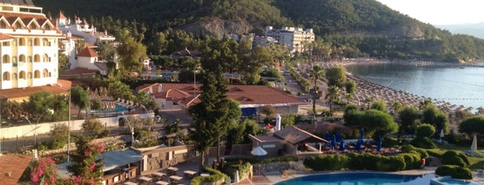 Martı La Perla Hotel is one of Marmaris Otelleri.