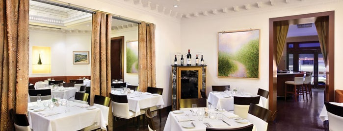 Restaurant Triomphe is one of French.