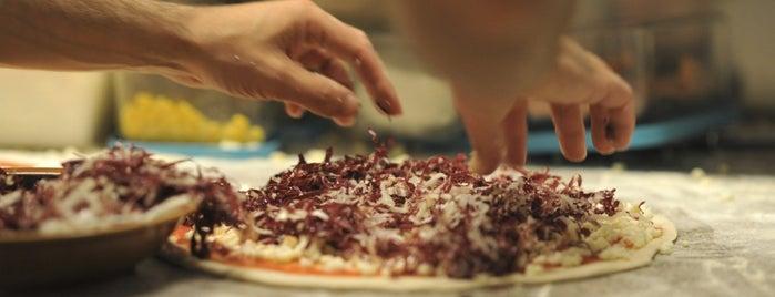 Pizzeria Centrale is one of Ristoranti con specialità del luogo..