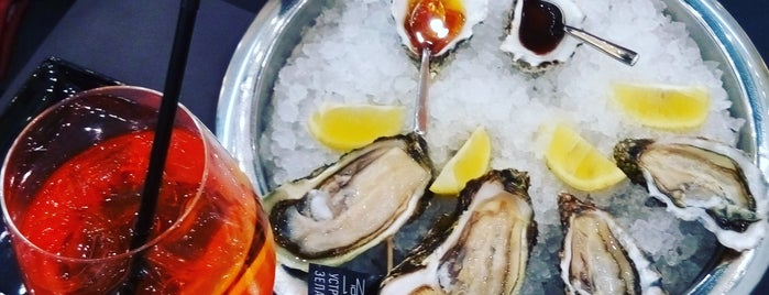 Oysters Cava Bar is one of Kiev.