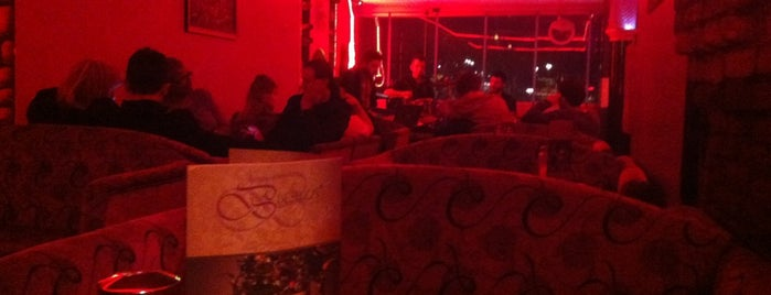 Harabe Cafe is one of Gezdim.