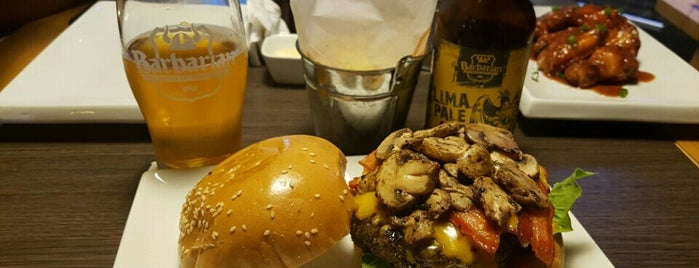 Burger Factory is one of Hamburguesas en Lima!.