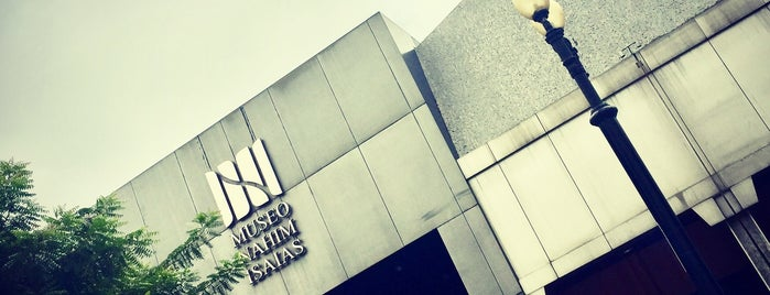 Museo Nahím Isaías is one of Things To Do In Ecuador.
