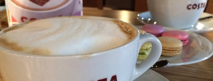 Costa Coffee is one of Кафе с розетками.