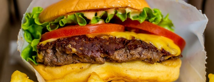 Shake Shack is one of 50 Awesome Late Night Restaurants In NYC.