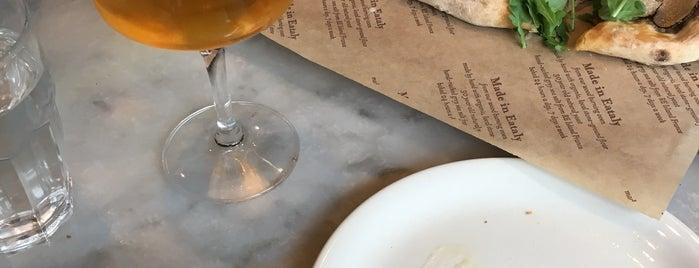 La Pizza & La Pasta @ Eataly is one of Favoritos em New York.