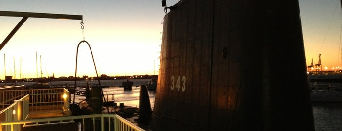 USS Clamagore is one of Favorites.