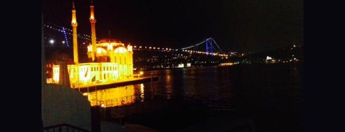 Aşk Kumpir & Waffle Ortaköy is one of Must-visit Yemek in İstanbul.