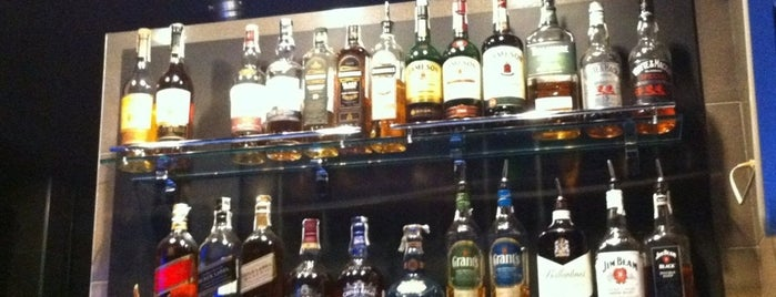 Wine & whiskey bar Mixx is one of Минск.