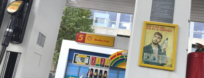 Shell is one of Estaciones de Servicio.