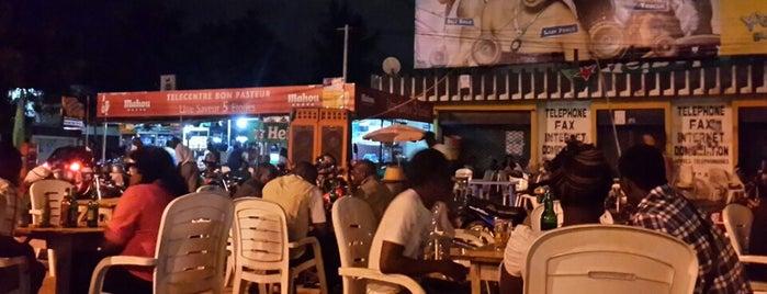 Telecentre Bar is one of Lieux à voir.