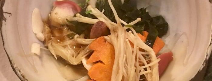 童壽司 is one of Restaurant.