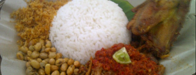 RM. Rinjani (Nasi Balap Puyung) is one of Guide to Mataram's best spots.
