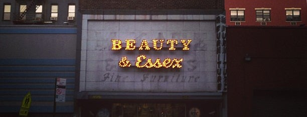 Beauty & Essex is one of DOWNTOWN drinks.