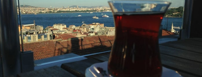 Galata Konak Cafe & Restaurant is one of cafe's.