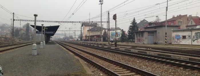 Železniční stanice Praha-Radotín is one of Železniční stanice ČR: P (9/14).