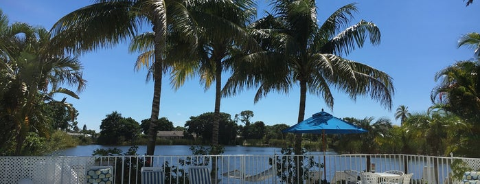 Marco Island Lakeside Inn is one of Mis lugares más queridos !.