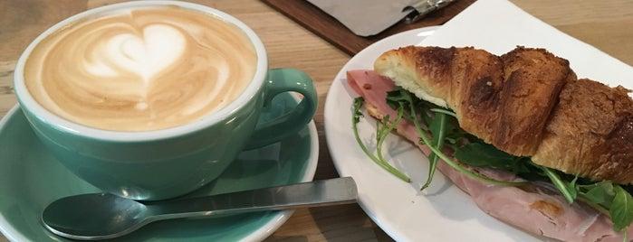 Pola Café is one of Berlin Best: Cafes, breakfast, brunch.