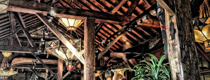 Clyde's Tower Oaks Lodge is one of Favorite places to get food!.