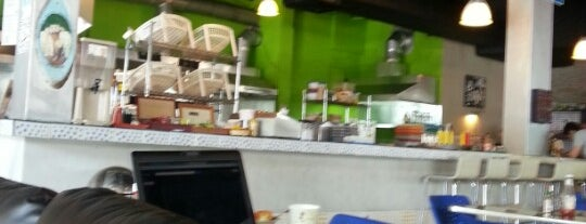 New York Bagel Cafe And Bakery is one of The 15 Best Places That Are Good for Business Meetings in Panamá.