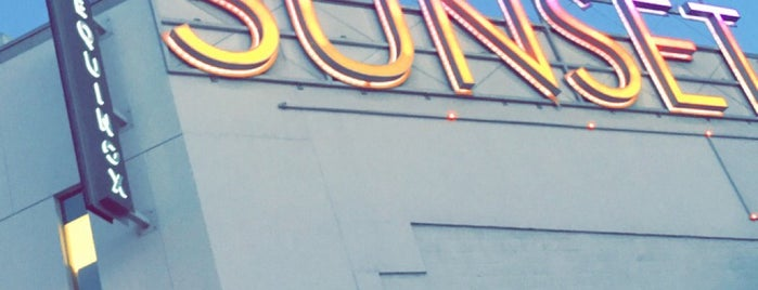 The Sunset Strip is one of Los angeles.