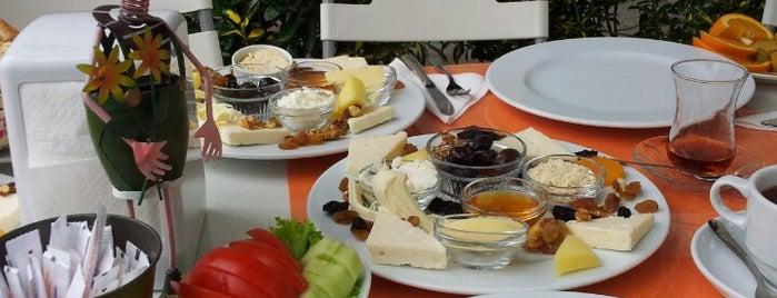 Süt Yumurta Reçel | Bahçe is one of Gidilen & Beğenilen.