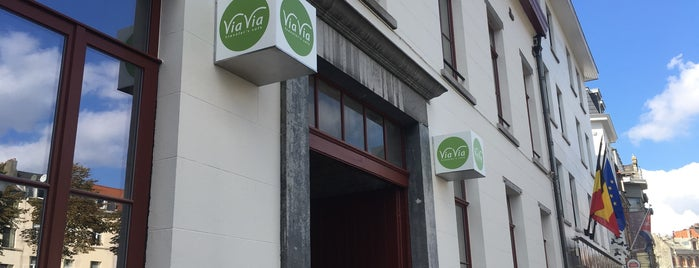 ViaVia Traveler's Café is one of Bites.