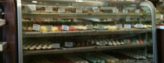 Muddy's Bake Shop is one of Must-visit Food in Memphis.