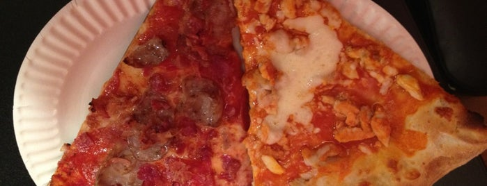 Joey Pepperoni's Pizza is one of Laturr / Dolla Slice.
