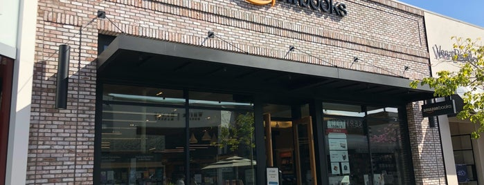 Amazon Books is one of The 15 Best Bookstores in San Diego.