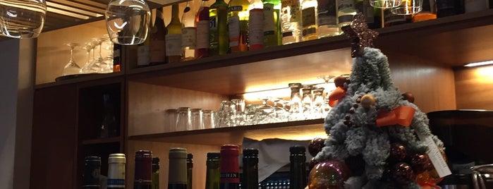 Au Bourguignon du Marais is one of Paris' Restaurants.