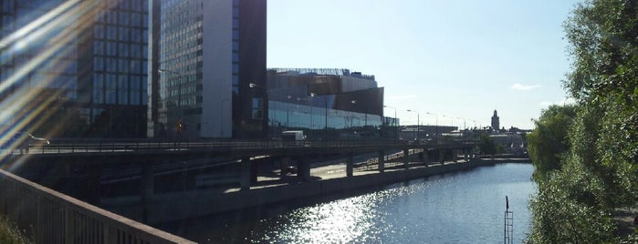 Klarabergsviadukten is one of vanliga ställen.