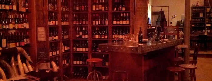 La Cave de l'Insolite is one of The VERY best wine bars in Paris.