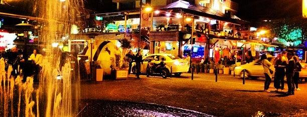 Plaza Foch is one of Ecuador best spots.