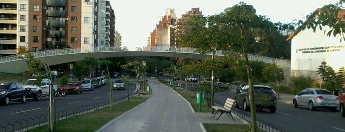 Parque de Las Tejas is one of Places.