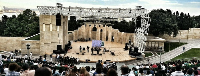 Yashil Teatr is one of Baku.