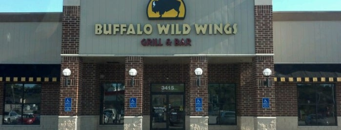 Buffalo Wild Wings is one of Jenifer's Fave Places.