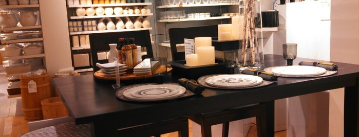 Crate And Barrel Is One Of The 15 Best Furniture And Home Stores In San  Diego