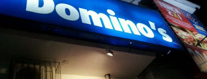 Domino's Pizza is one of Restaurantes e Afins.