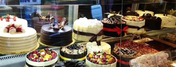 La Vita Patisserie is one of TG.