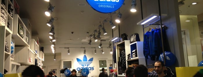 Adidas Originals Store is one of I nostri negozi sportivi preferiti.