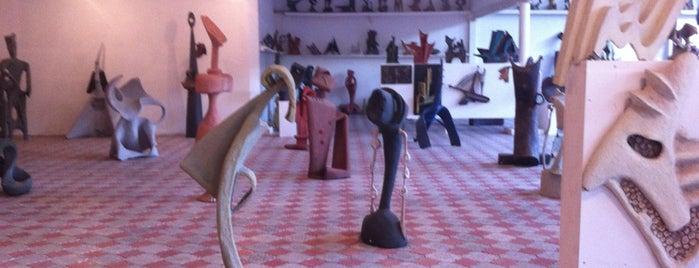Музей модерної скульптури М. Дзиндри is one of музеї Львова / museums of Lviv.