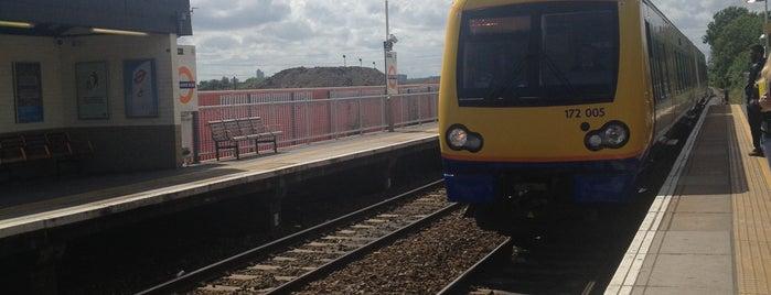Blackhorse Road London Underground and London Overground Station is one of Tube Challenge.