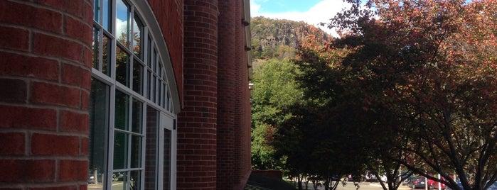 Quinnipiac University School of Law is one of Common places.