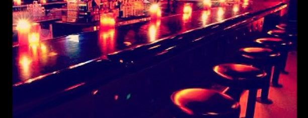 Circle Bar is one of David & Dana's LA BAR & EATS!.